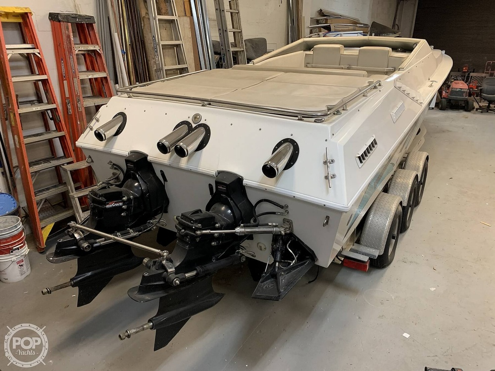 1986 Fountain boat for sale, model of the boat is 33 (10M) Executioner & Image # 9 of 40