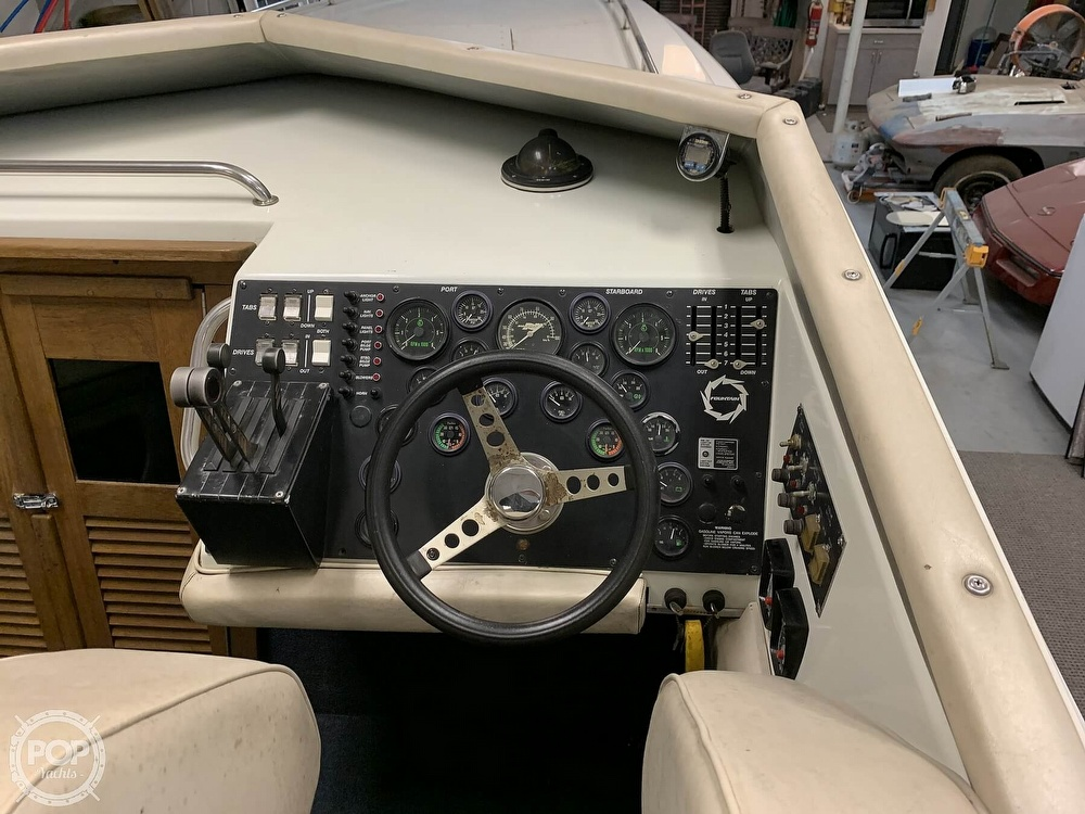 1986 Fountain boat for sale, model of the boat is 33 (10M) Executioner & Image # 21 of 40