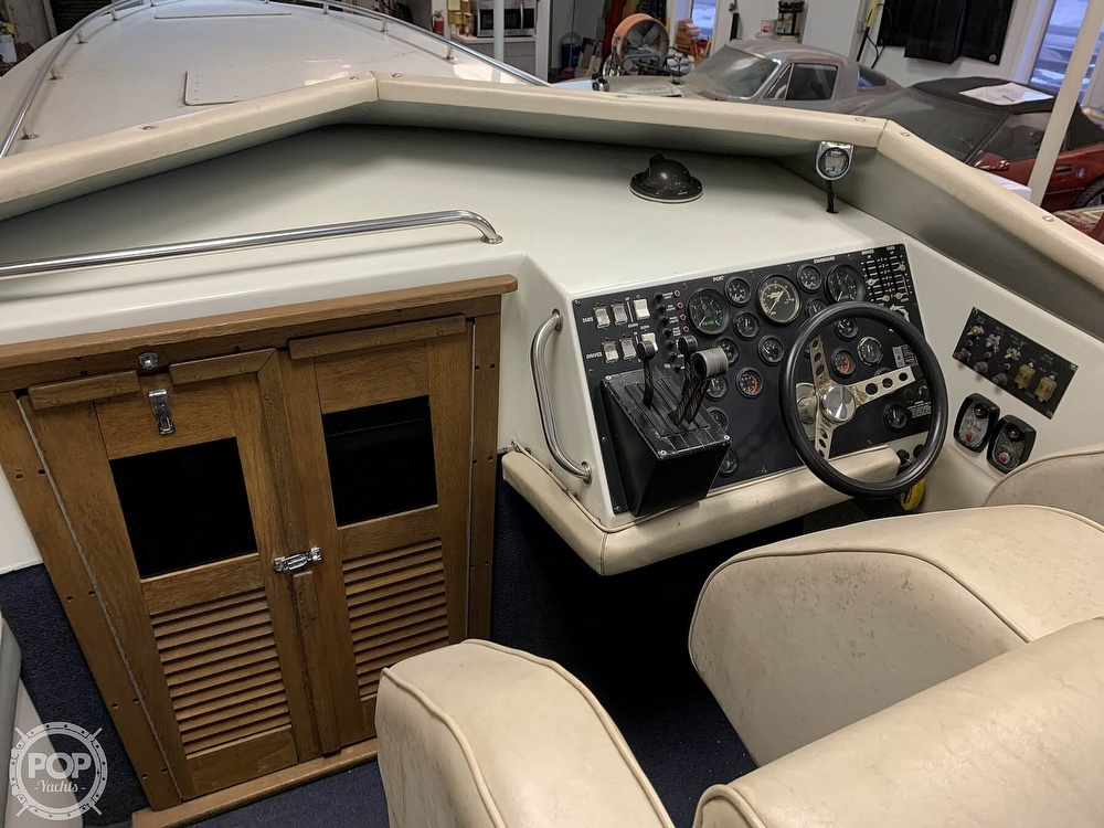 1986 Fountain boat for sale, model of the boat is 33 (10M) Executioner & Image # 19 of 40