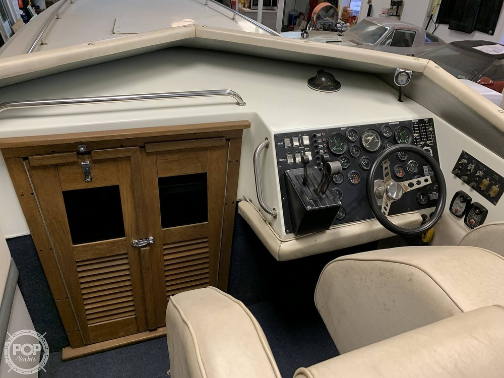 1986 Fountain boat for sale, model of the boat is 33 (10M) Executioner & Image # 20 of 40