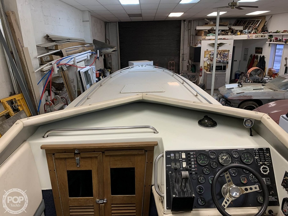 1986 Fountain boat for sale, model of the boat is 33 (10M) Executioner & Image # 26 of 40