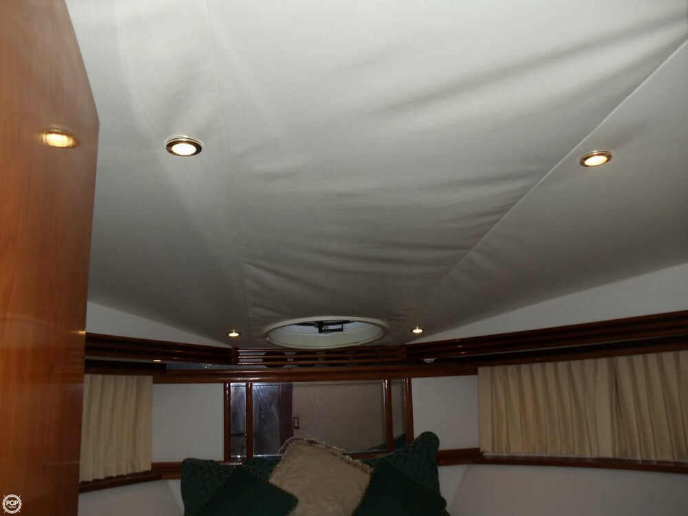2000 Carver Voyager 450 - Photo #13