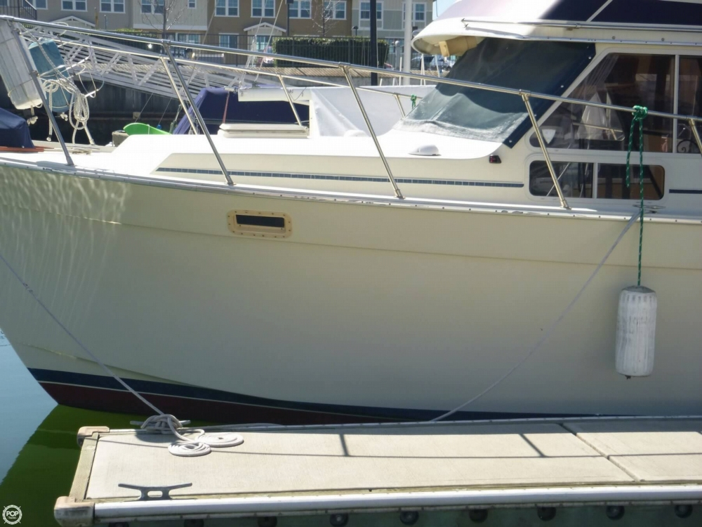1986 Tollycraft 34 - Photo #28