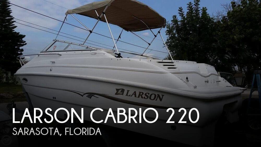 2002 Larson Cabrio 220 - Photo #1