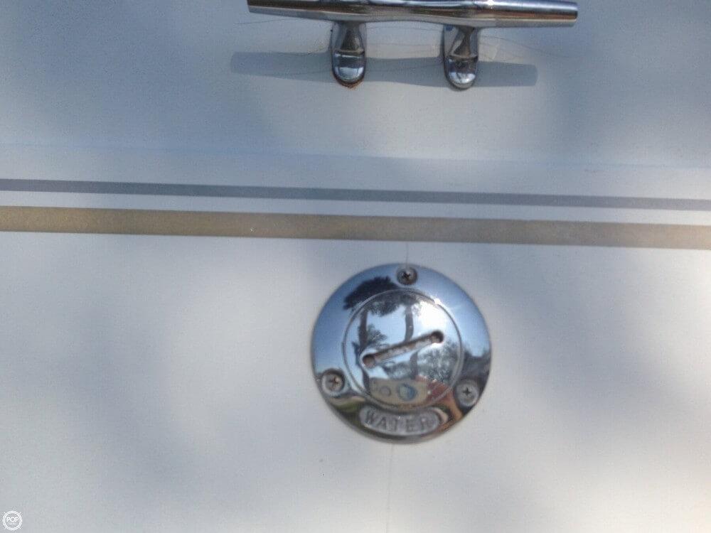 2002 Larson Cabrio 220 - Photo #35