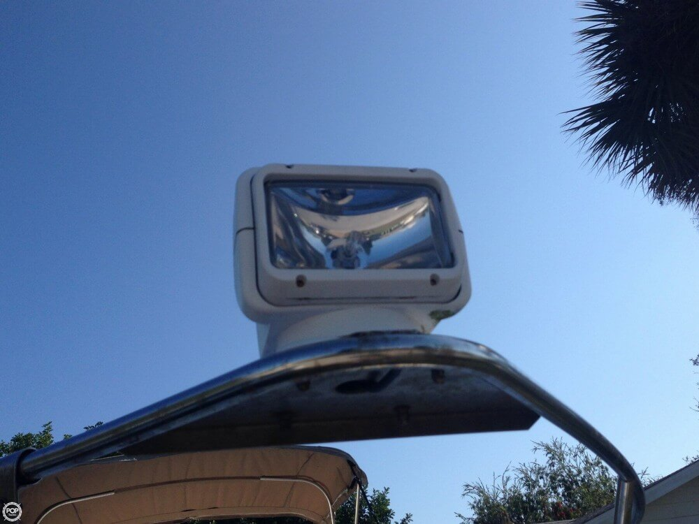 2002 Larson Cabrio 220 - Photo #36