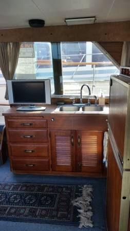 1979 Tollycraft Tri-Cabin 40 - Photo #6