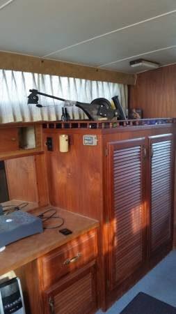 1979 Tollycraft Tri-Cabin 40 - Photo #12
