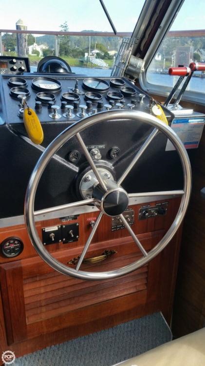 1979 Tollycraft Tri-Cabin 40 - Photo #35