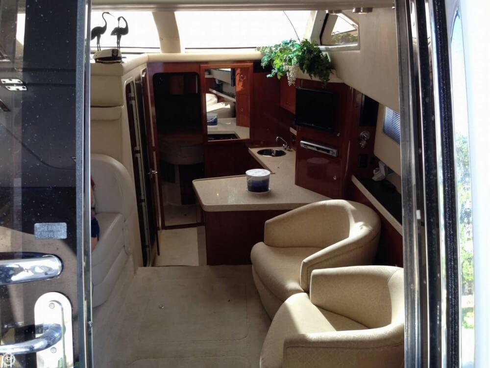 Comfortable And Elegant Lounge