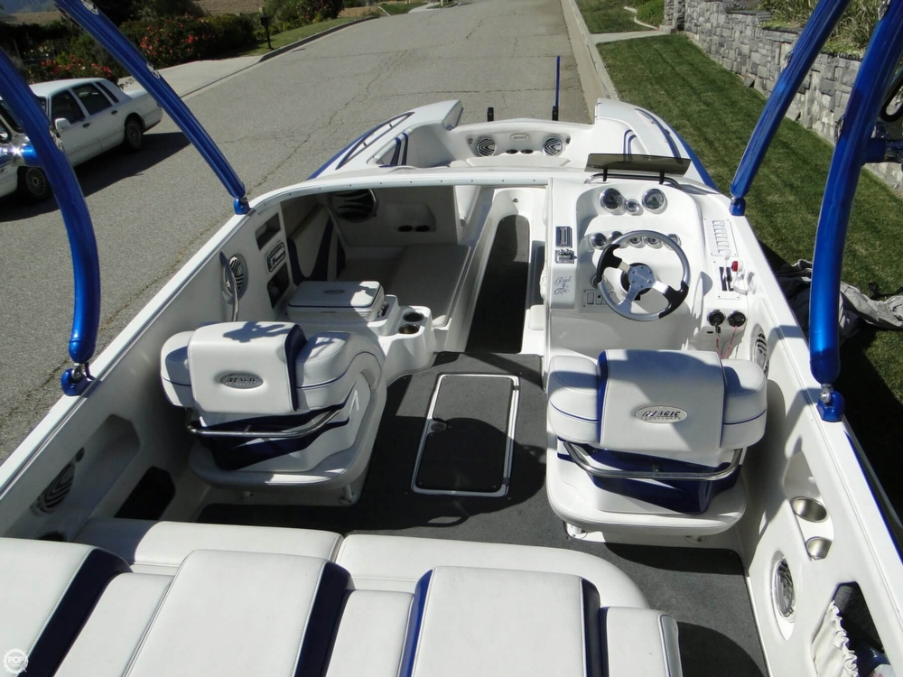 2009 Magic boat for sale, model of the boat is 28 Scepter Open Bow & Image # 9 of 40