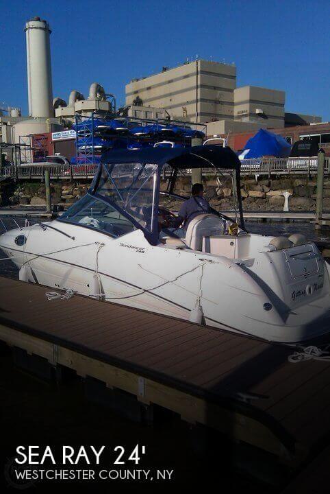 2009 Sea Ray 240 Sundancer - Photo #1