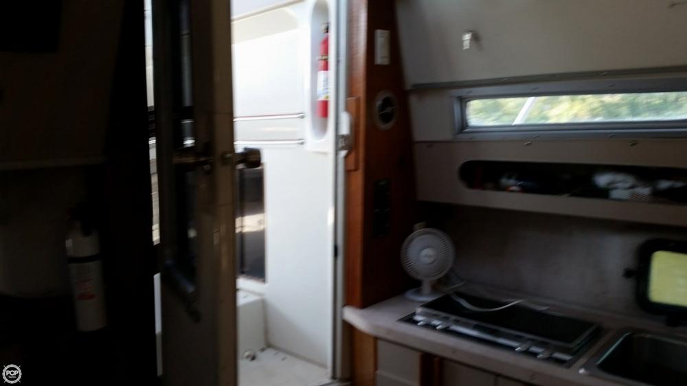 1989 Cruisers 3370 Esprit - Photo #19