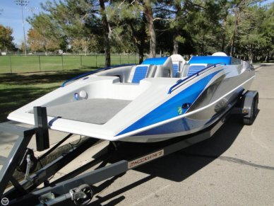 Shockwave 22 Deck Boat, 22', for sale - $67,800