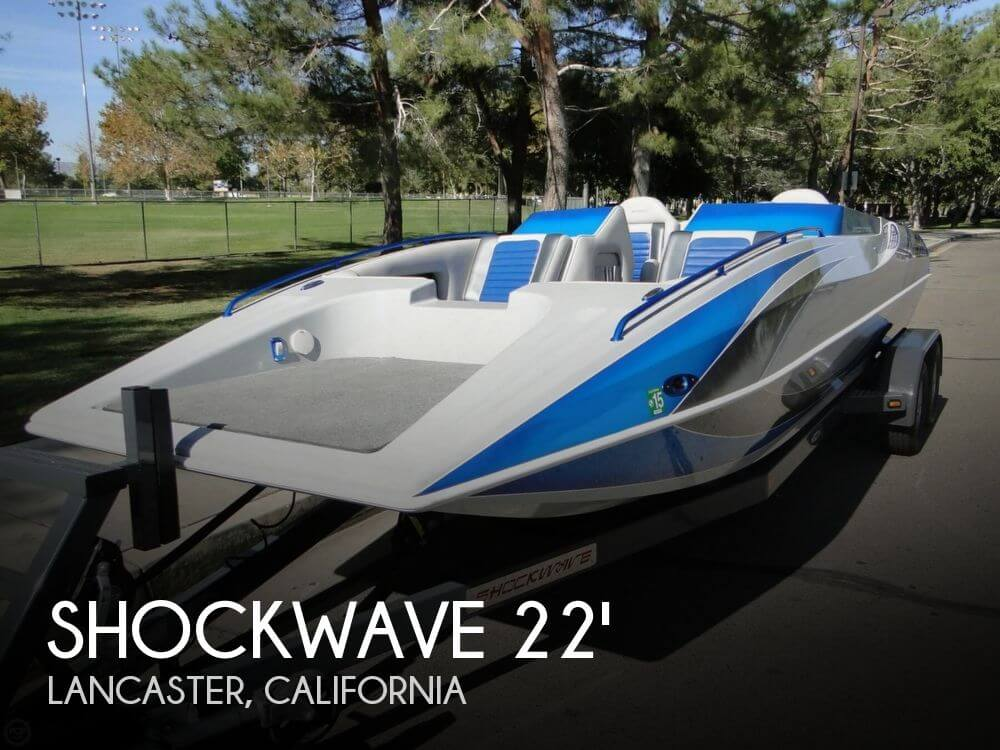 2009 Shockwave 22 Deck Boat - Photo #1