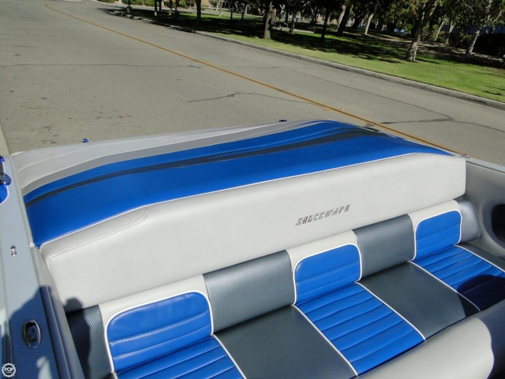 2009 Shockwave 22 Deck Boat - Photo #8