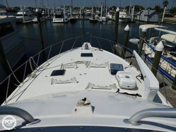 1995 Hatteras 54 Convertible - Photo #4