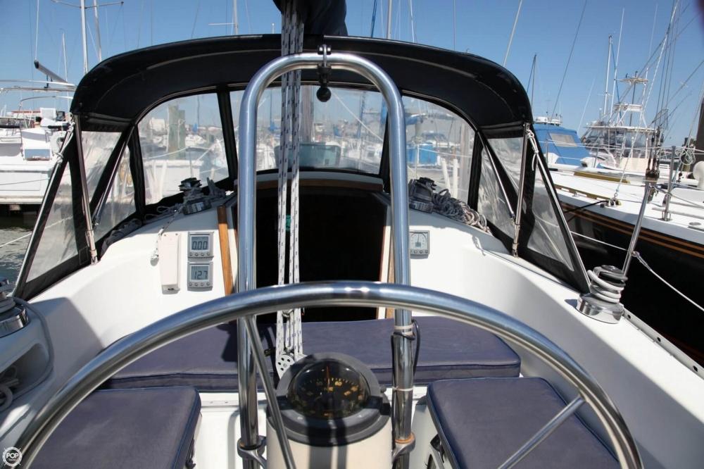 1985 Albin Yachts 33 Nova - Photo #7