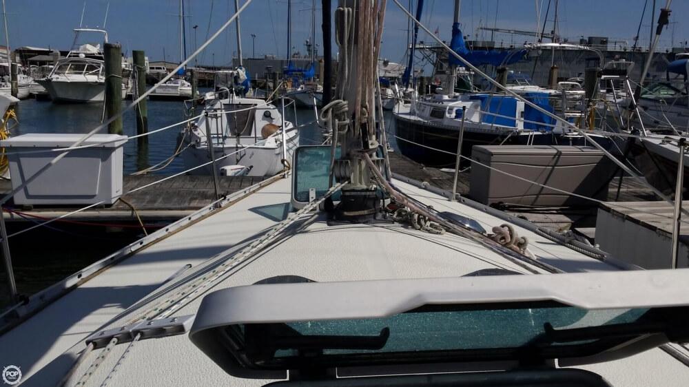 1985 Albin Yachts 33 Nova - Photo #11