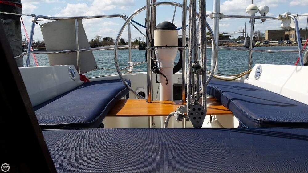 1985 Albin Yachts 33 Nova - Photo #13