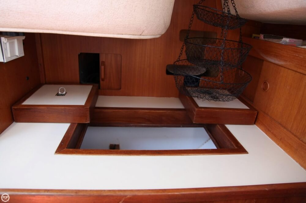 1985 Albin Yachts 33 Nova - Photo #31