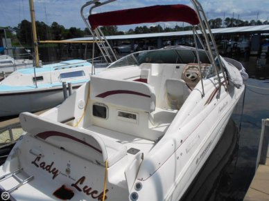 Rinker 266 EC Fiesta Vee, 27', for sale - $12,000