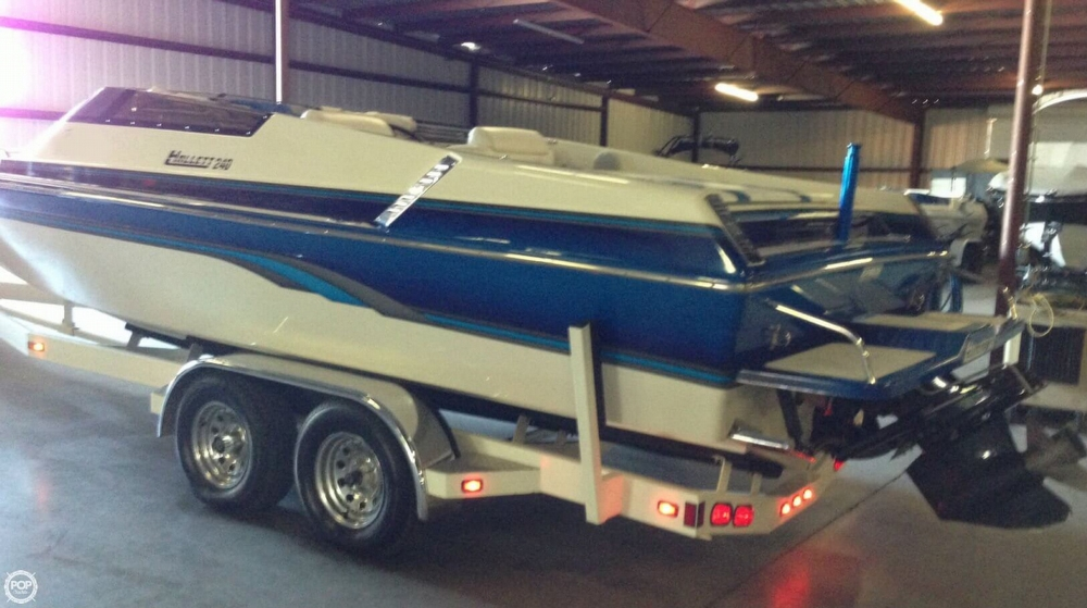 1998 Hallett boat for sale, model of the boat is 240 Closed Bow & Image # 3 of 15