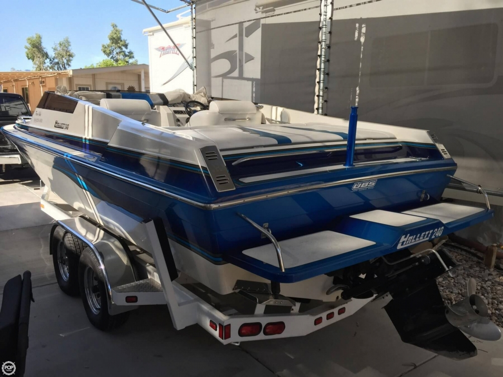 1998 Hallett boat for sale, model of the boat is 240 Closed Bow & Image # 8 of 15