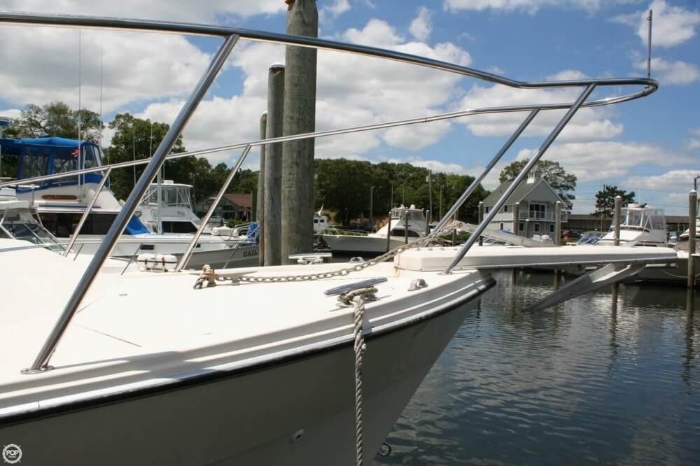 1982 Bayliner 3250 Conquest - Photo #7