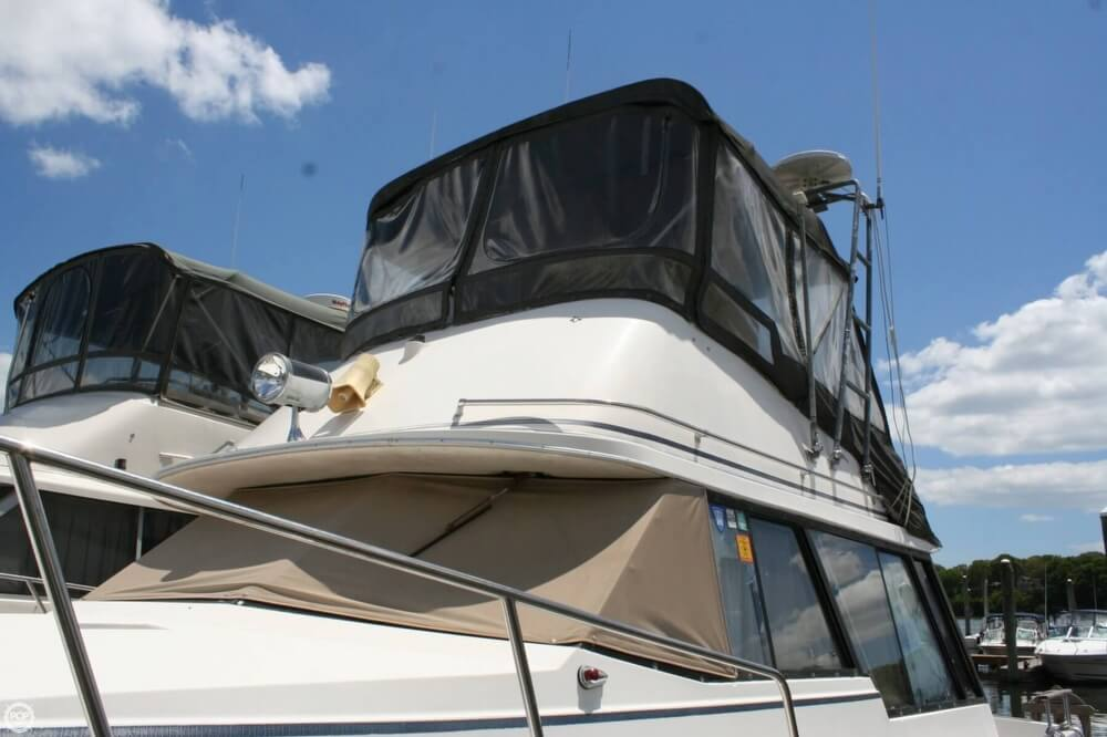 1982 Bayliner 3250 Conquest - Photo #11
