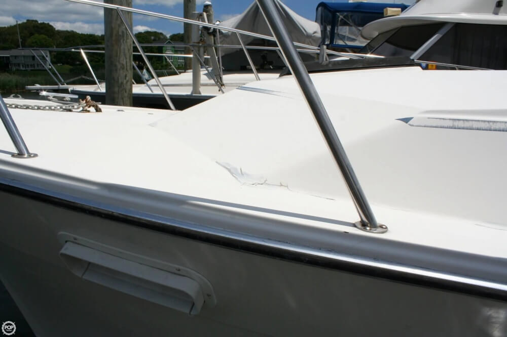 1982 Bayliner 3250 Conquest - Photo #15