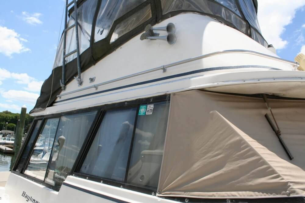 1982 Bayliner 3250 Conquest - Photo #24
