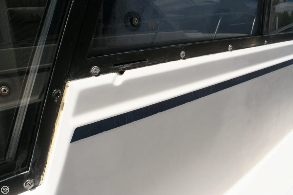 1982 Bayliner 3250 Conquest - Photo #25