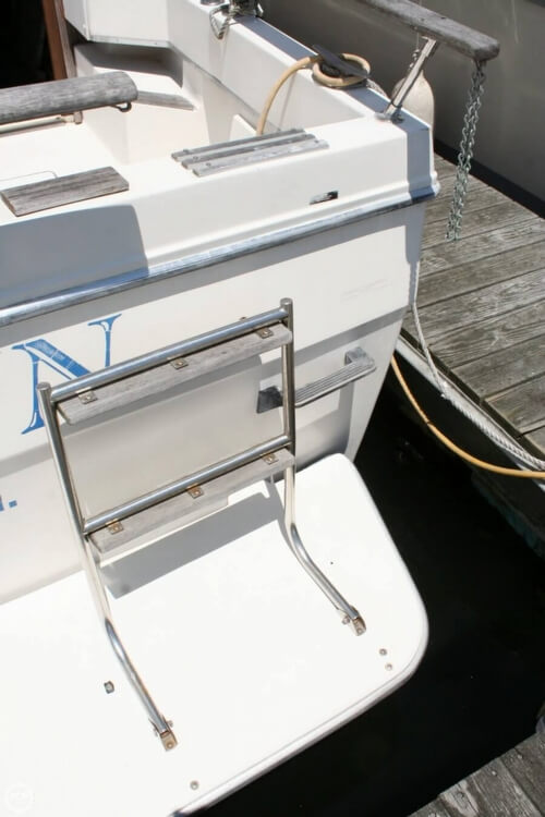1982 Bayliner 3250 Conquest - Photo #29