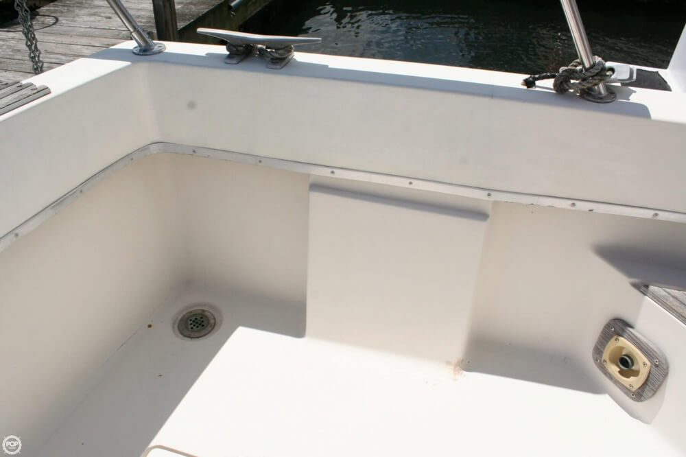 1982 Bayliner 3250 Conquest - Photo #36