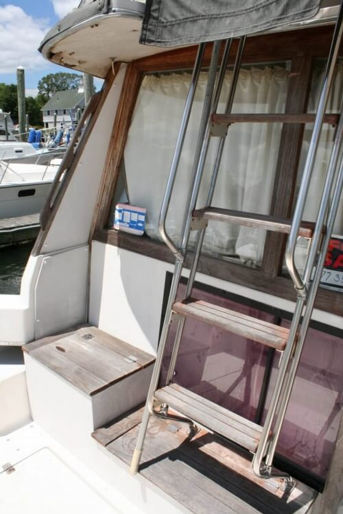 1982 Bayliner 3250 Conquest - Photo #40