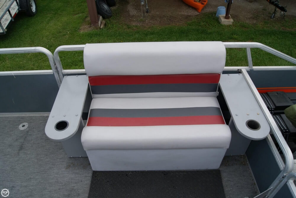 1986 Sun Tracker 24 Party Barge - Photo #35