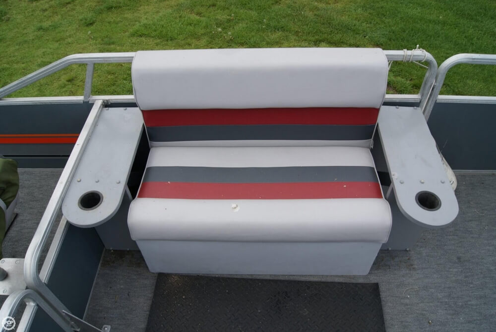 1986 Sun Tracker 24 Party Barge - Photo #36
