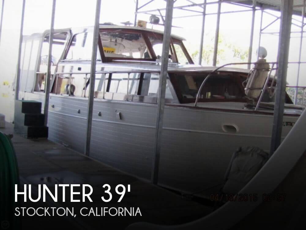 1965 Hunter 39 Sedan Cruiser - Photo #1