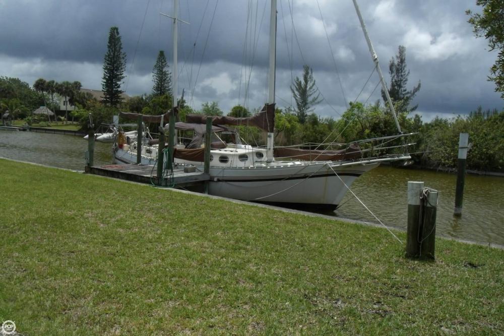 1976 Islander Sailboats 41 Freeport Ketch - Photo #2