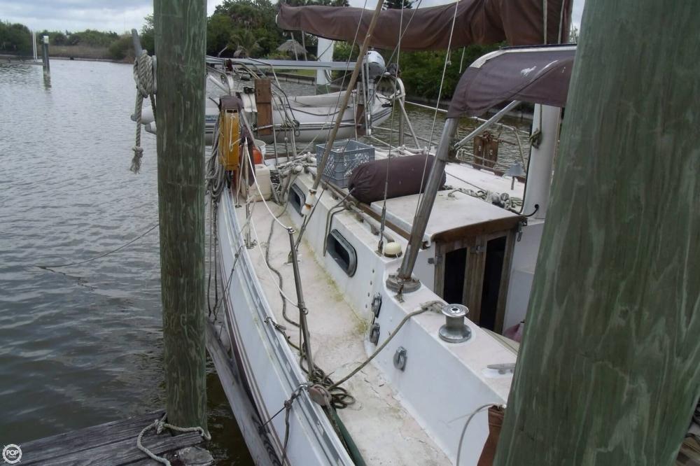 1976 Islander Sailboats 41 Freeport Ketch - Photo #9