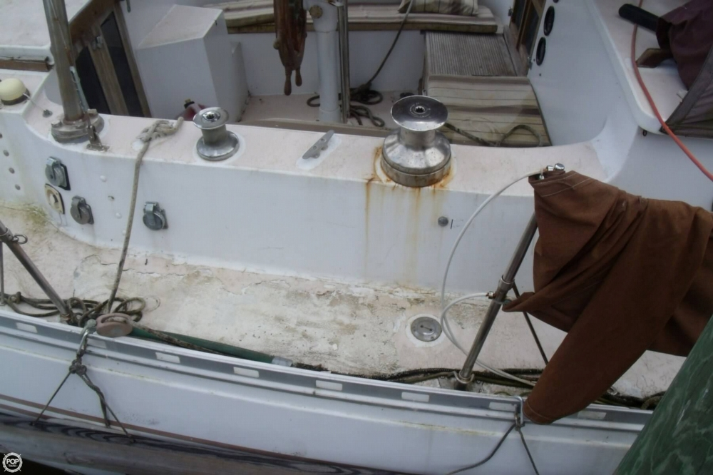 1976 Islander Sailboats 41 Freeport Ketch - Photo #11