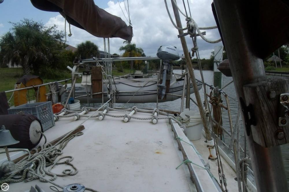 1976 Islander Sailboats 41 Freeport Ketch - Photo #15