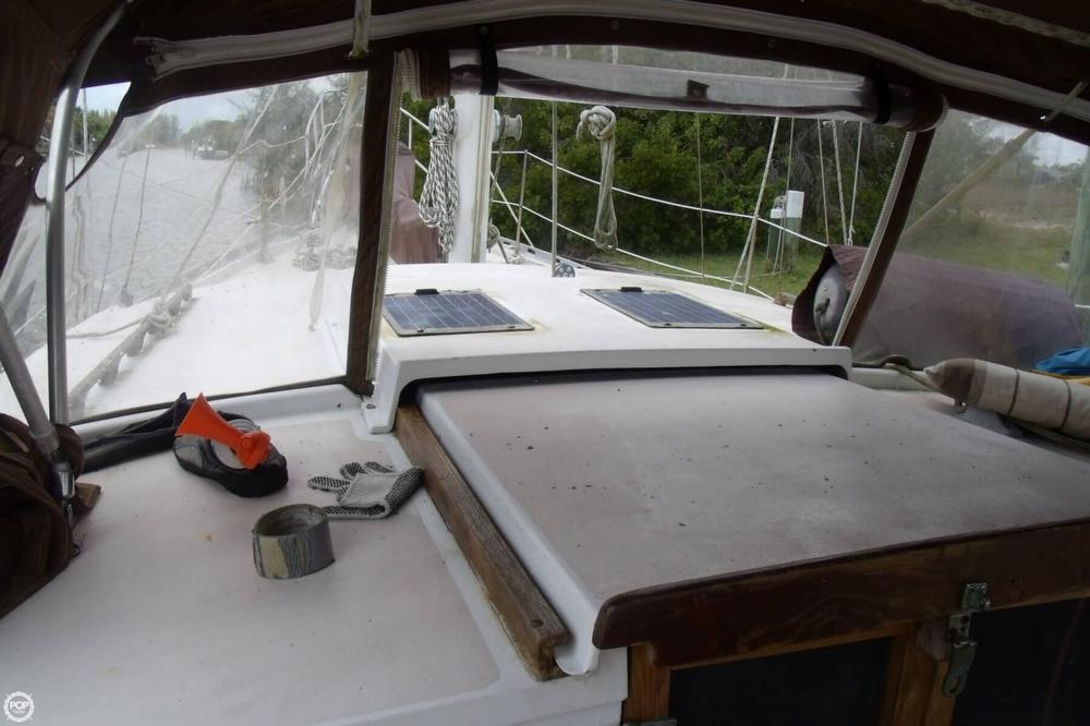 1976 Islander Sailboats 41 Freeport Ketch - Photo #17