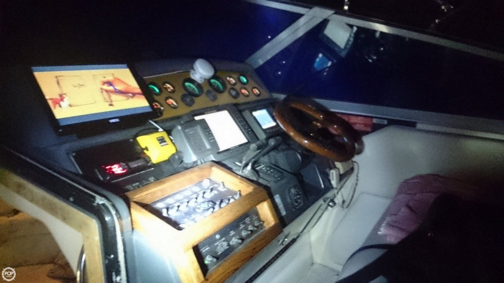 1993 Sea Ray 400 Sundancer - Photo #18