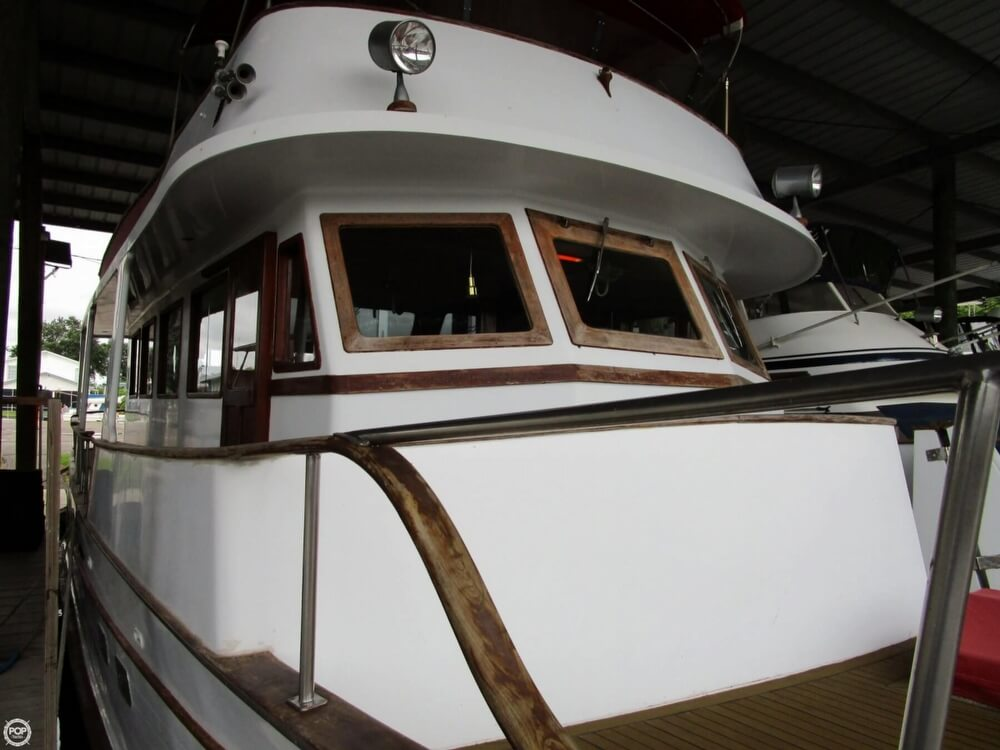 1982 Marine Trader boat for sale, model of the boat is 50 Motor Yacht & Image # 4 of 40