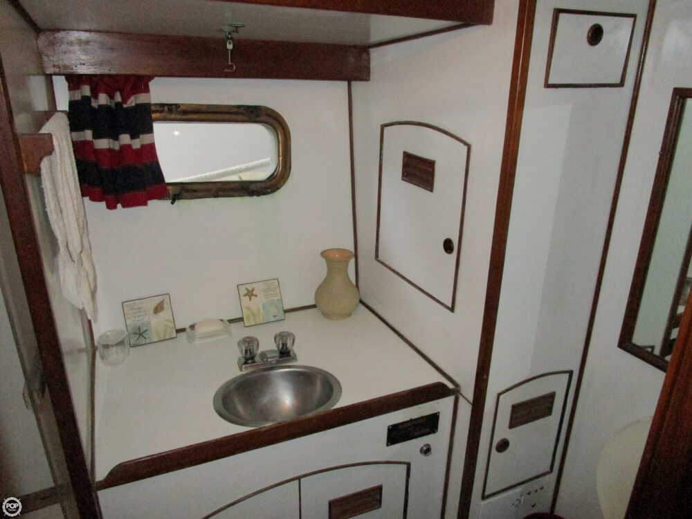 1982 Marine Trader boat for sale, model of the boat is 50 Motor Yacht & Image # 16 of 40