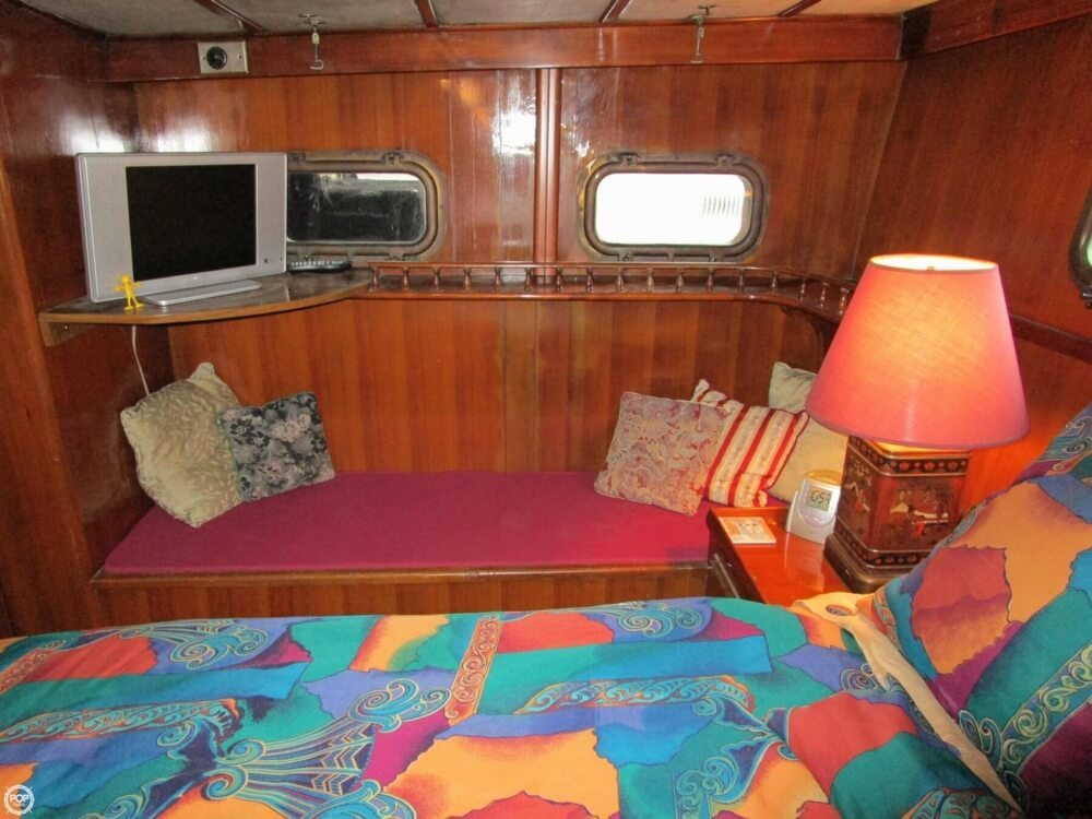 1982 Marine Trader boat for sale, model of the boat is 50 Motor Yacht & Image # 18 of 40