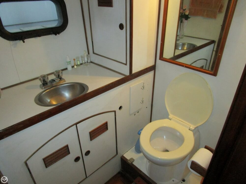 1982 Marine Trader boat for sale, model of the boat is 50 Motor Yacht & Image # 19 of 40