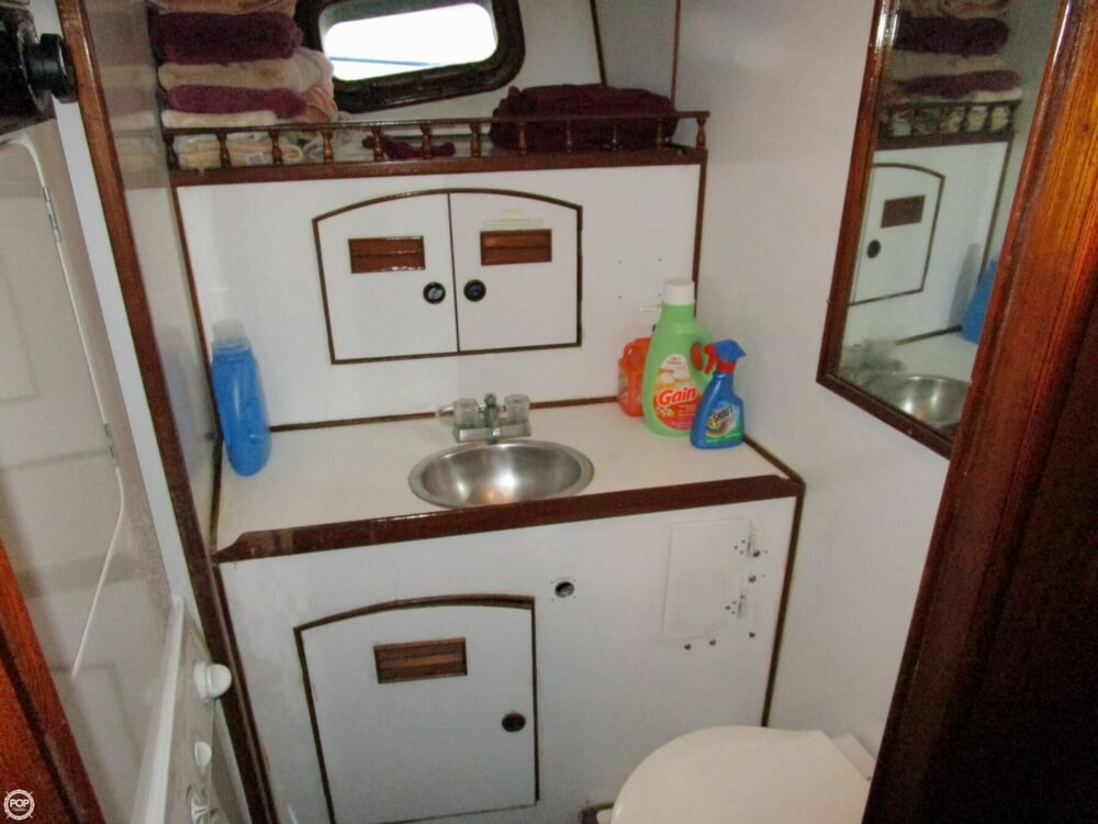 1982 Marine Trader boat for sale, model of the boat is 50 Motor Yacht & Image # 21 of 40